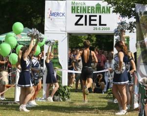 Cheerleader der Darmstadt Jaguars